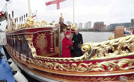 HM Queen Elizabeth on Gloriana