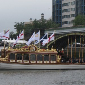 Gloriana waits