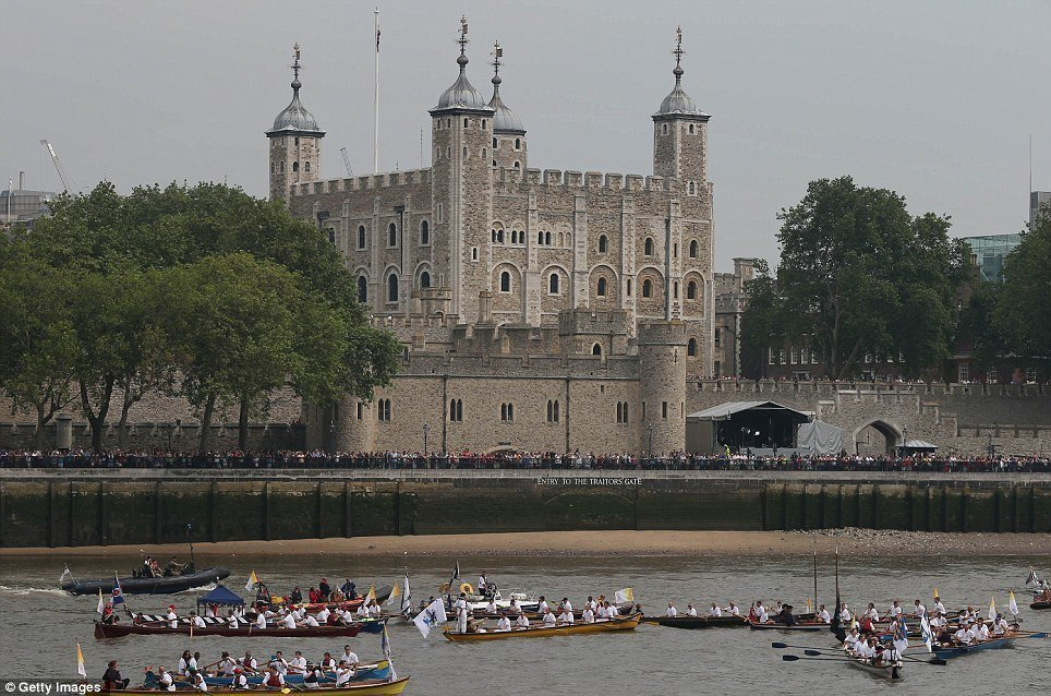 HM Tower of London & flotilla 3