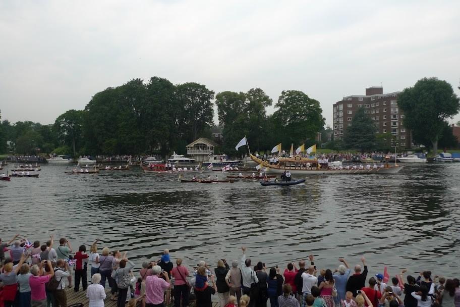 Kingston Rowing Club crowds