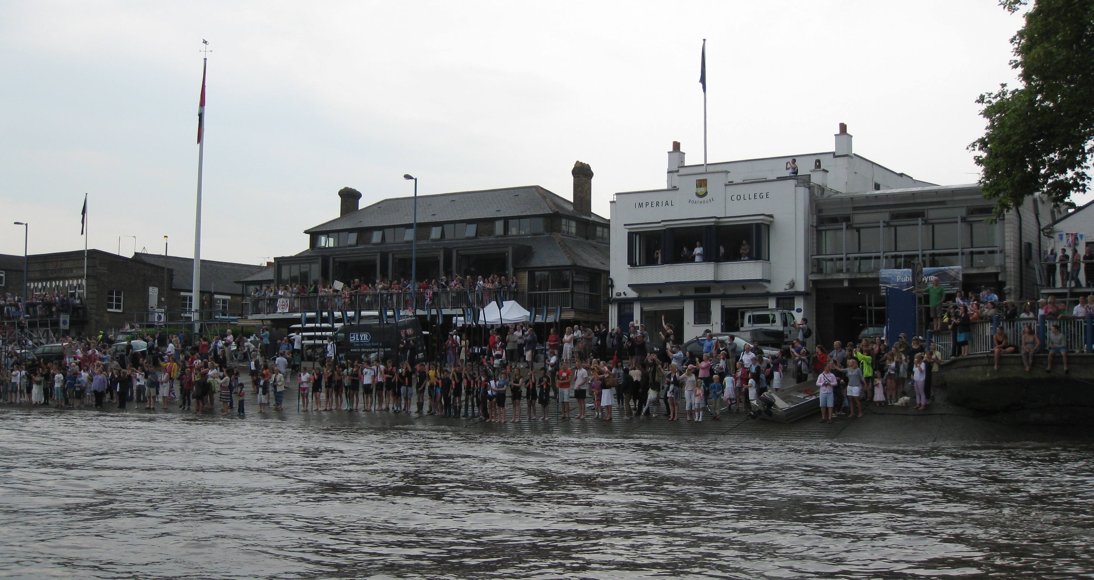 The Putney Embankment crowds
