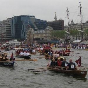 The chasing flotilla