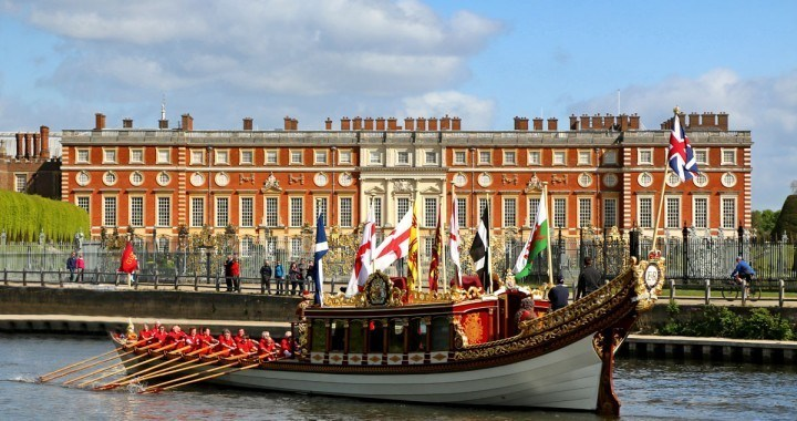 Gloriana at Hampton Court Palace courtesy of Rob Powell